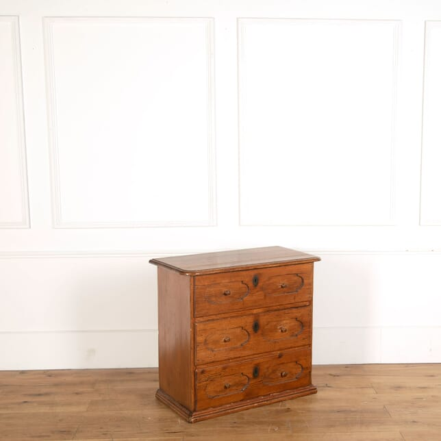 18th Century Chest of Drawers CC478815
