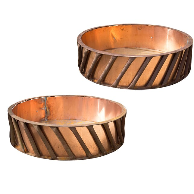 Pair of Large Garden Planters GA4257700