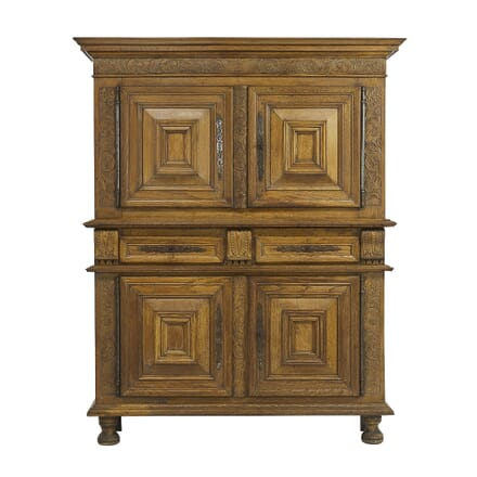 Flemish 17th Century Carved Oak Cabinet CU068318