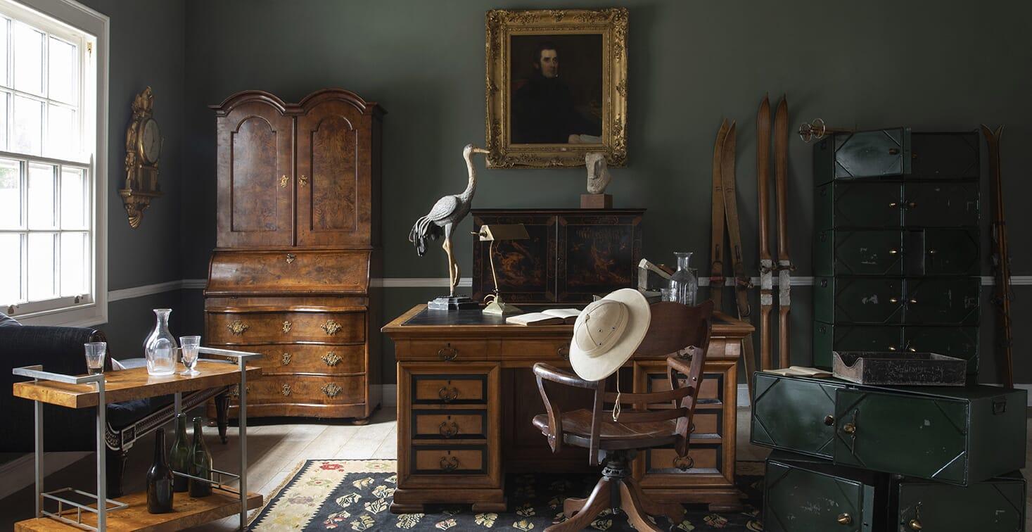 Desks, Secretaires & Bureaux