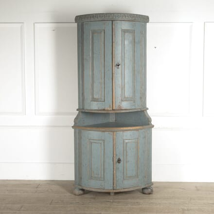 18th Century Gustavian Corner Cabinet CU6010228