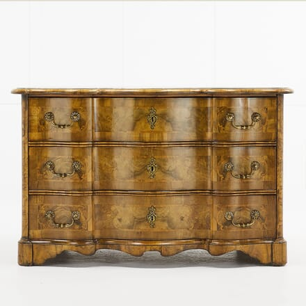 18th Century Inlaid Walnut Commode CC068929