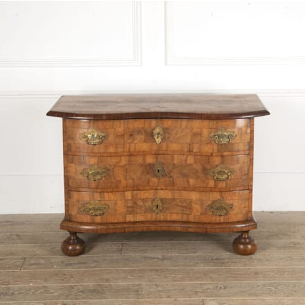 Italian 18th Century Commode CC5113410