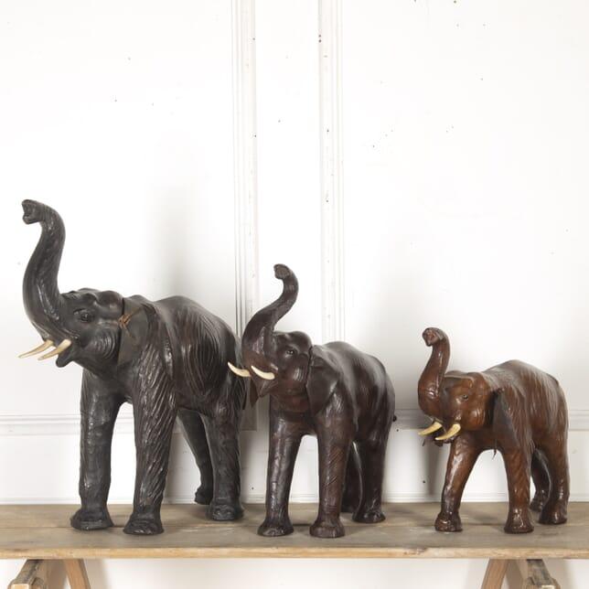 Family of Three Elephants DA7914960