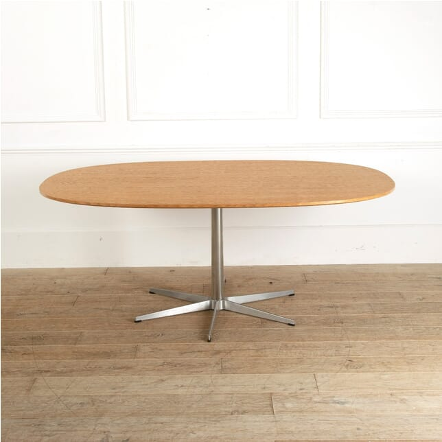 Arne Jacobsen Table 1972 TC0511590