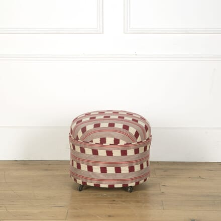 French Pouffe on Castors ST639649