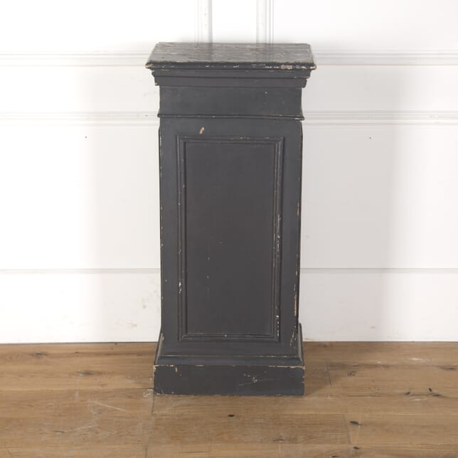 Grey Painted Pedestal DB7913473