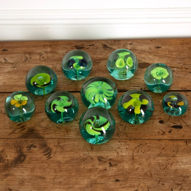 Collection of 10 Floral Green Weights DA9912179