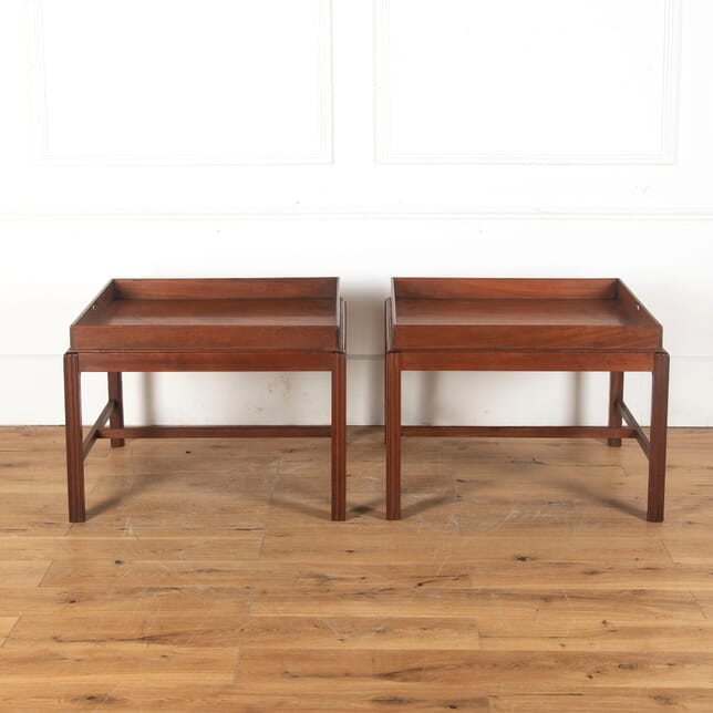 Pair of Mahogany End Tables DA3512601