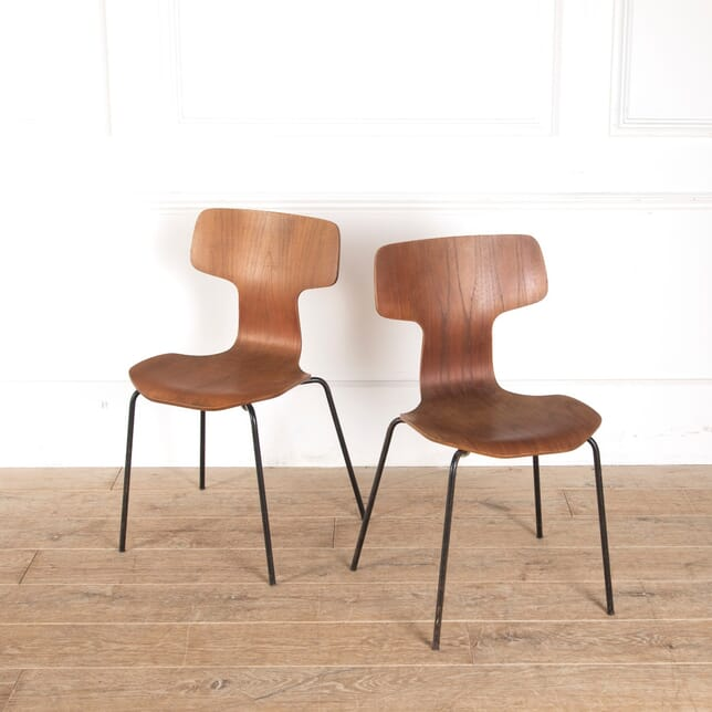 Pair of Arne Jacobsen Hammer Chairs for Fritz Hansen CH2912098