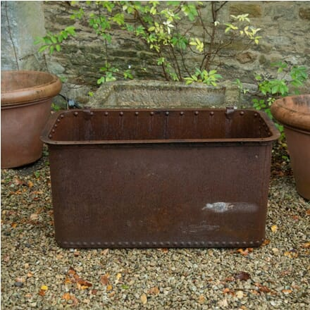 Cast Iron Cistern with Rivit Top and Bottom GA0712221