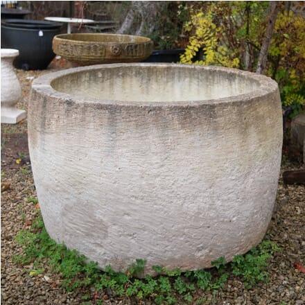 Round Limestone Garden Trough GA1957215