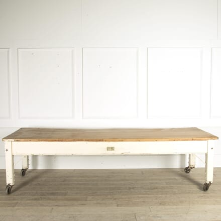 Large 19th Century Sycamore Bakers Table TD0910501