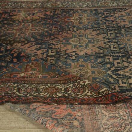 Large Country House Heriz Carpet RT059427