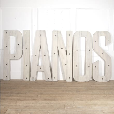 Large French 'PIANOS' Letters DA4415860