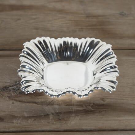 Mappin & Webb Ruffle Rim Silver-Plated Dish DA5815479