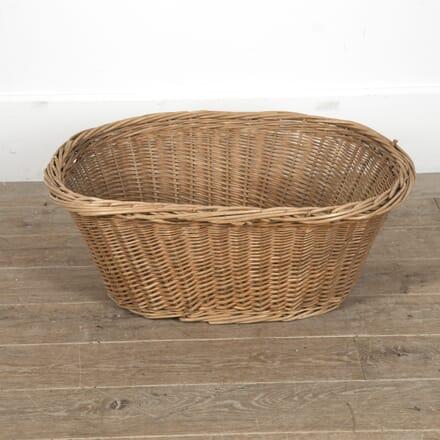 French Oval Wicker Laundry Basket DA0215528