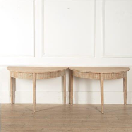 Oval Swedish 19th Century Dining Table TD4410840