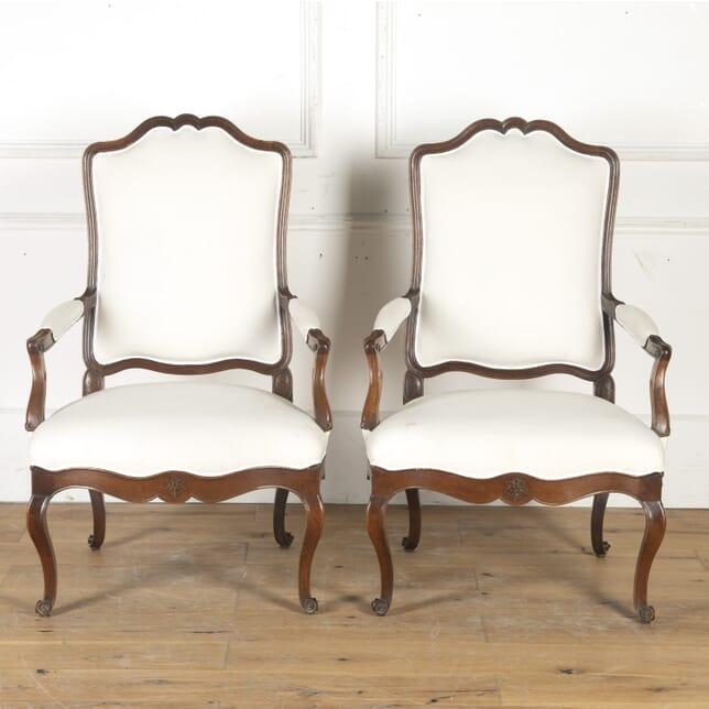 Pair of 18th Century Walnut Armchairs CH4715589
