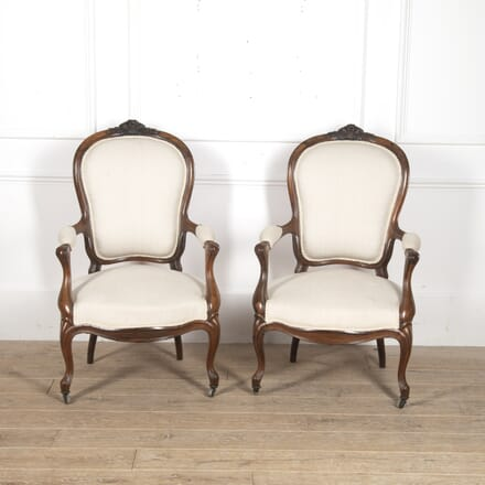 Pair of English 19th Century Walnut Fauteuils CH8815994