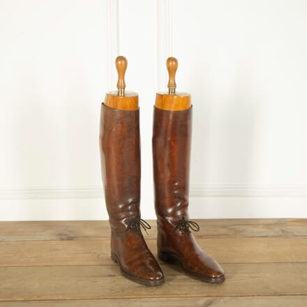 Pair of English Leather Boots DA359027