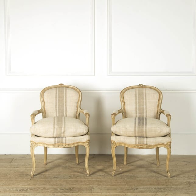 Pair of French Louis XV Armchairs CH459248