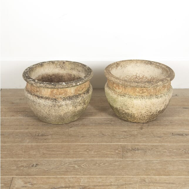 Pair of Garden Urns GA3515011