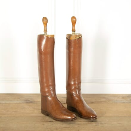 Pair of Leather Polo Boots DA359025