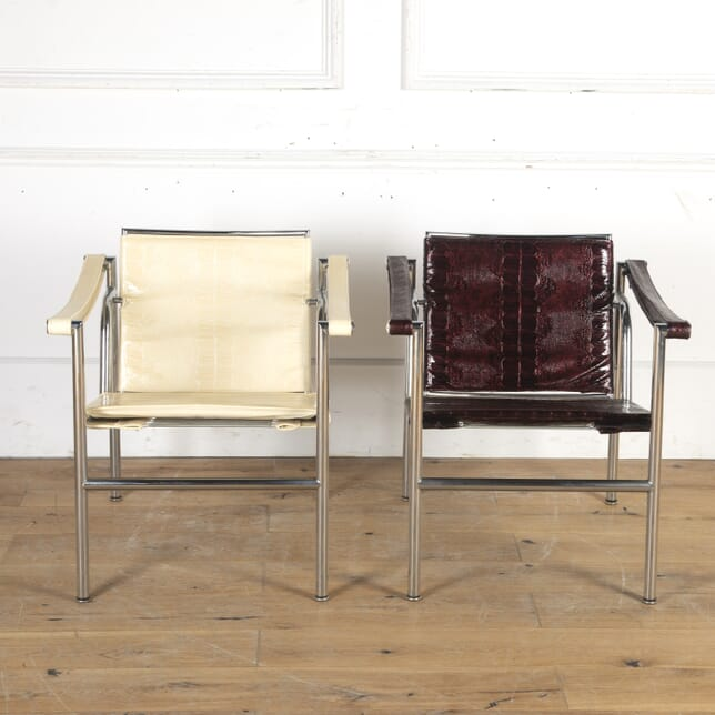 Pair of LC1 Basculant Armchairs CH8715687