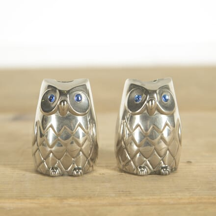 Pair of Silver Plated Owl Salt and Pepper Shakers DA1310017