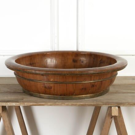 Scandinavian Wooden Bowl with Brass Bounds DA5917230