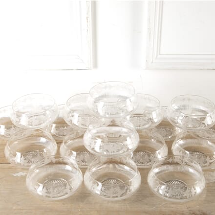 Set of 18 Superb Victorian Vine Etched Bowls DA5813534