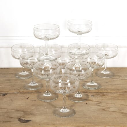 Set of 12 Champagne Coupes DA1515234