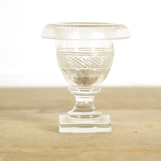 Small Regency Vase DA1310018