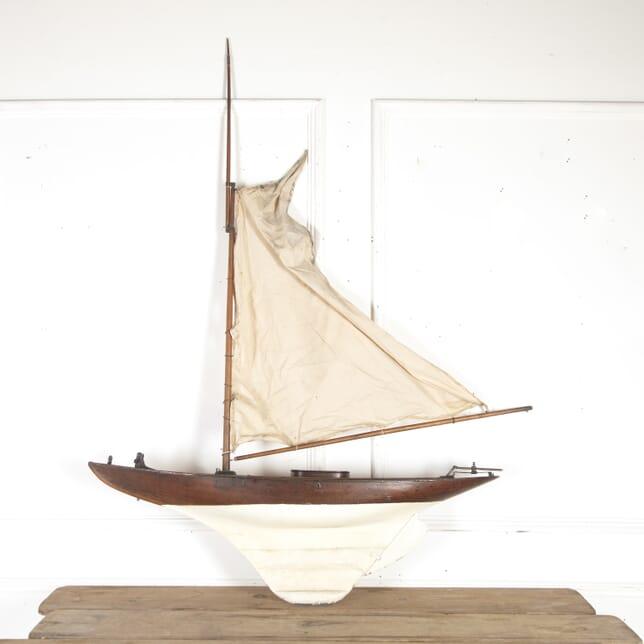 Victorian Pond Yacht DA8514579