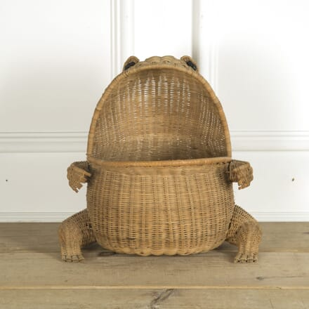 Wide Mouth Frog Basket OF159742