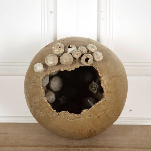 Egg Sculpture DA138300