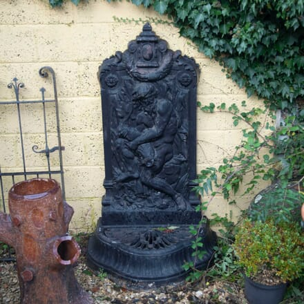 Large 19th Century Iron Wall Fountain GA4261642