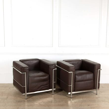 Pair of Le Corbusier LC2 Style Armchairs CH398377