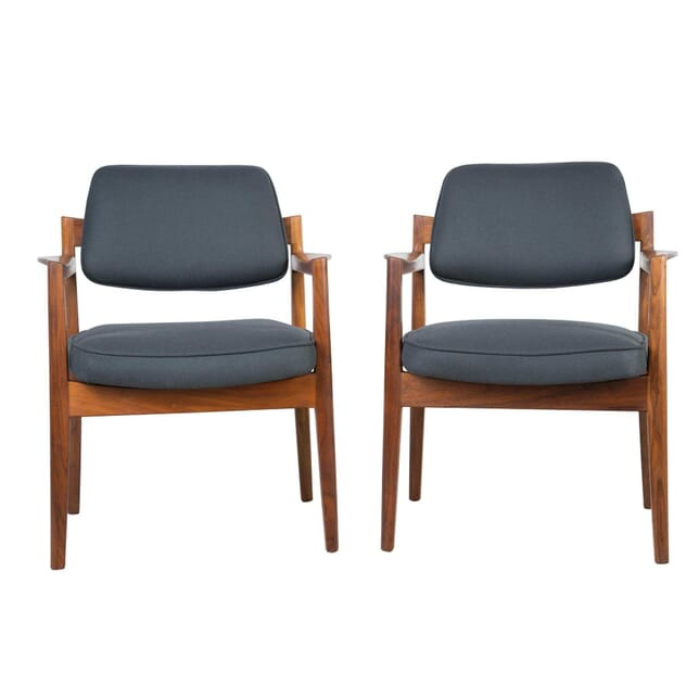 Pair of Elbow Chairs by Jens Risom CH304827