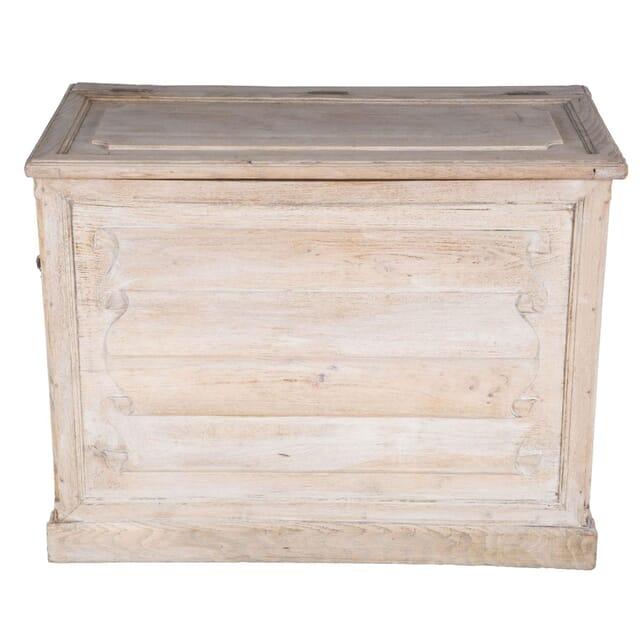 Bleached Oak Coffer CU3660711