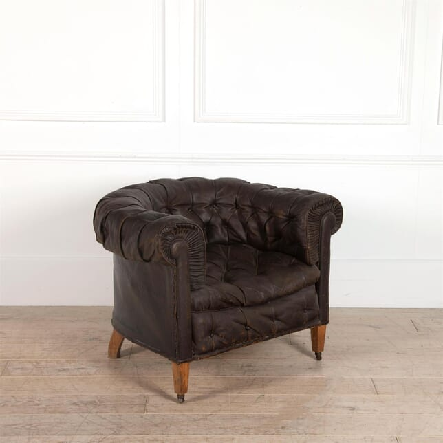 Buttoned Leather Club Armchair CH9262401