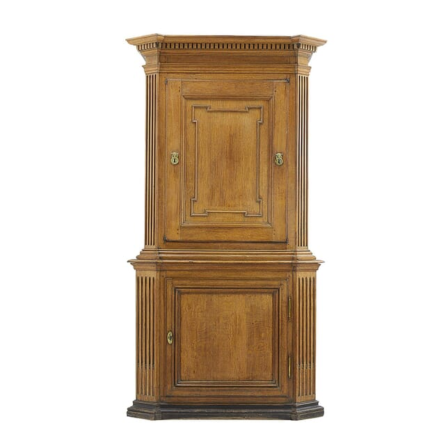 18th Century French Oak Cabinet CU0660053