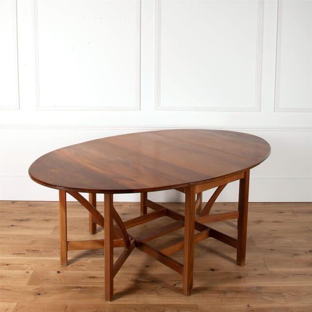 Stylish Hardwood Dining Table TD2761145
