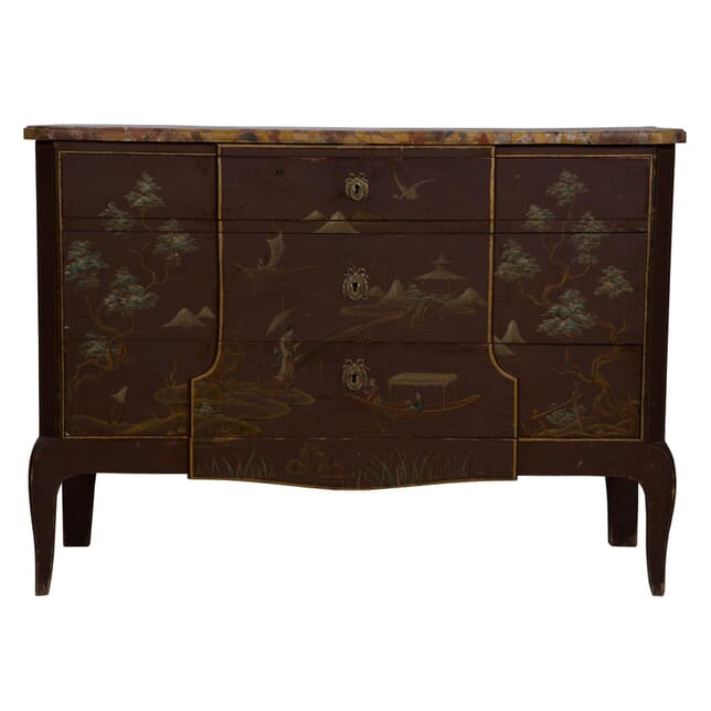An Elegant Lacquered Commode CC173948