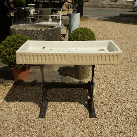 Large Glazed Sink with Fluted Decoration GA427447