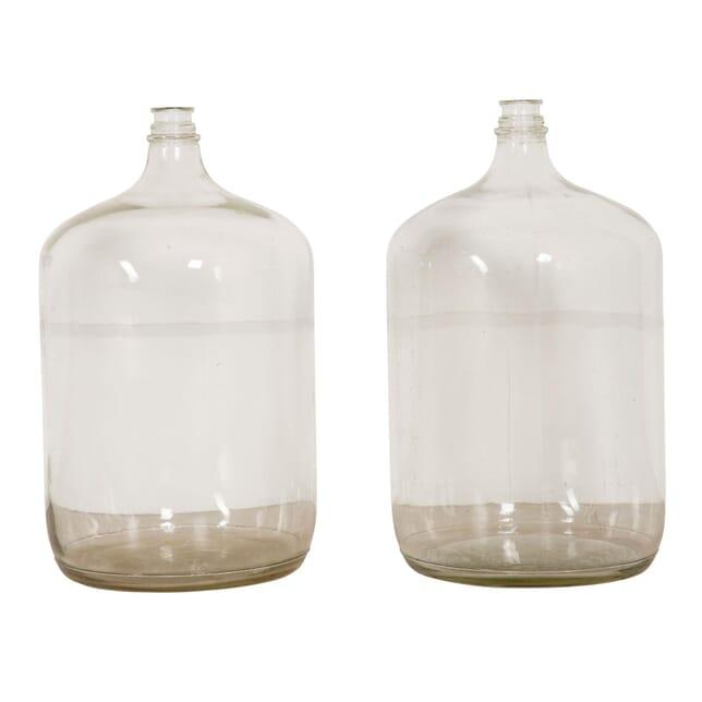 Pair of Glass Vases DA6358089