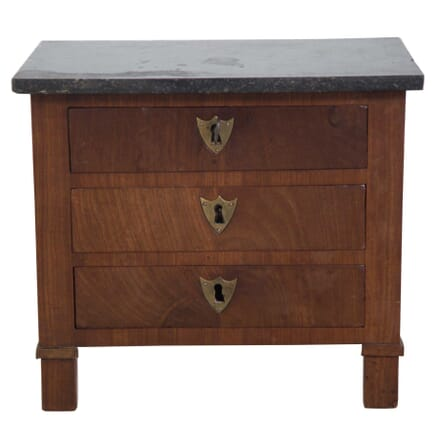 Miniature Chest of Drawers CC9957352