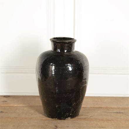 Large Black Earthernware Pot DA287377