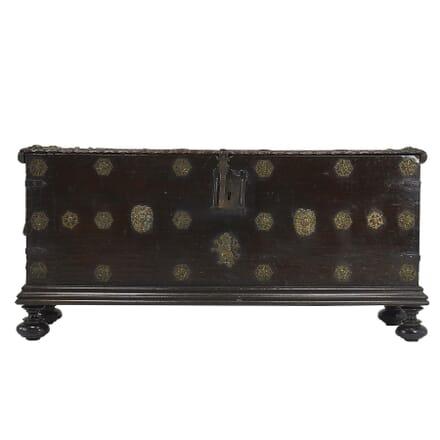 17th Century Walnut Spanish Trunk CB067400